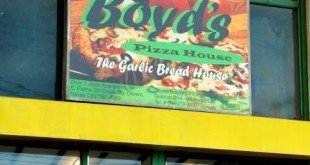 Boyd's Pizza House signage