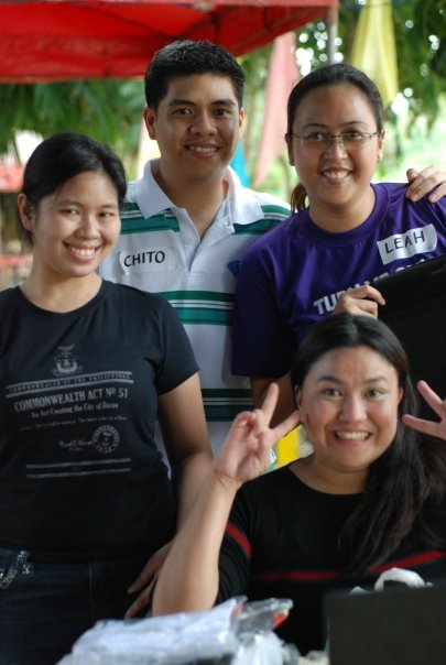 Chito and Leah with Jojie and Ria (photo courtesy of Chattee)