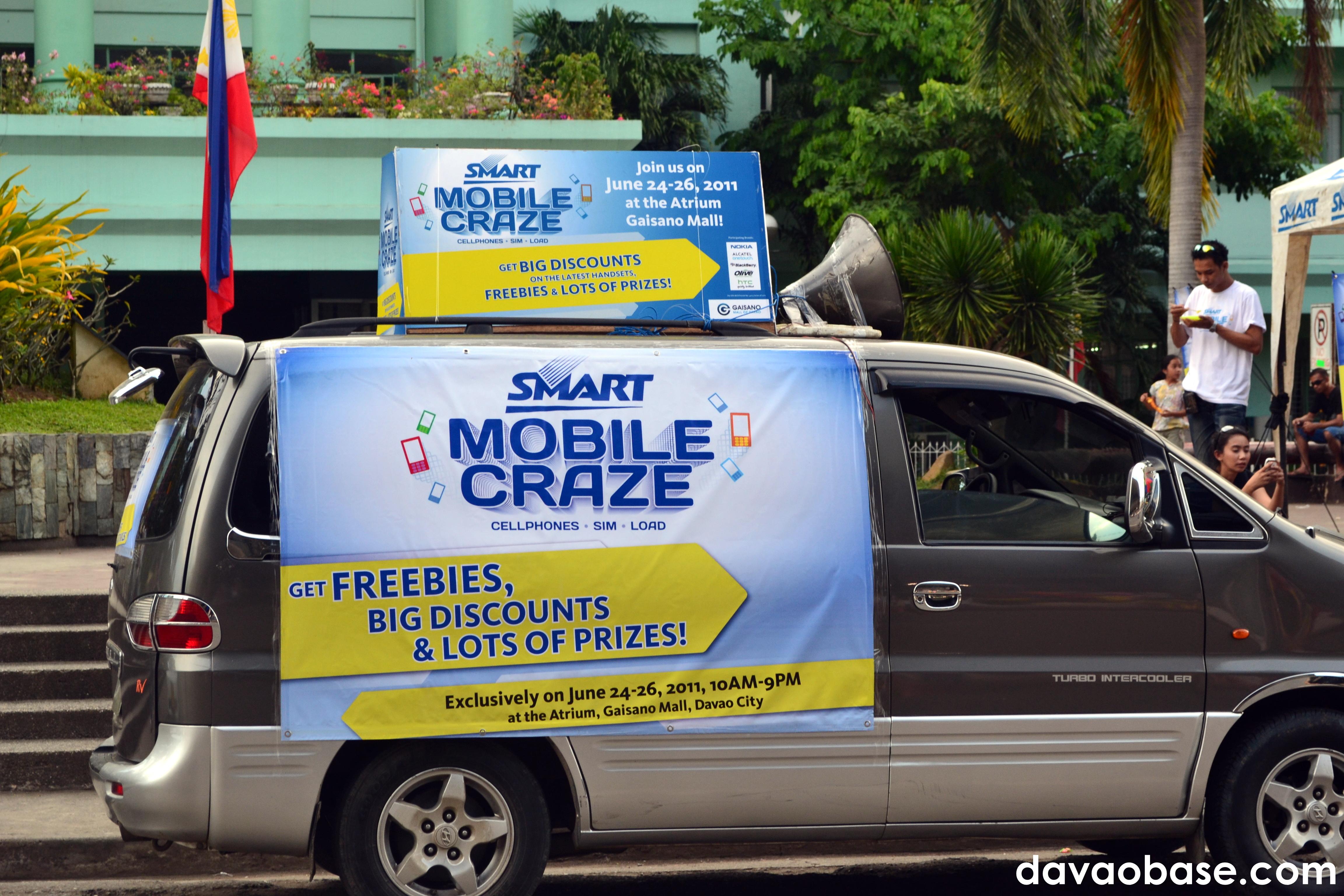 SMART Mobile Craze, as seen on a van near San Pedro Church