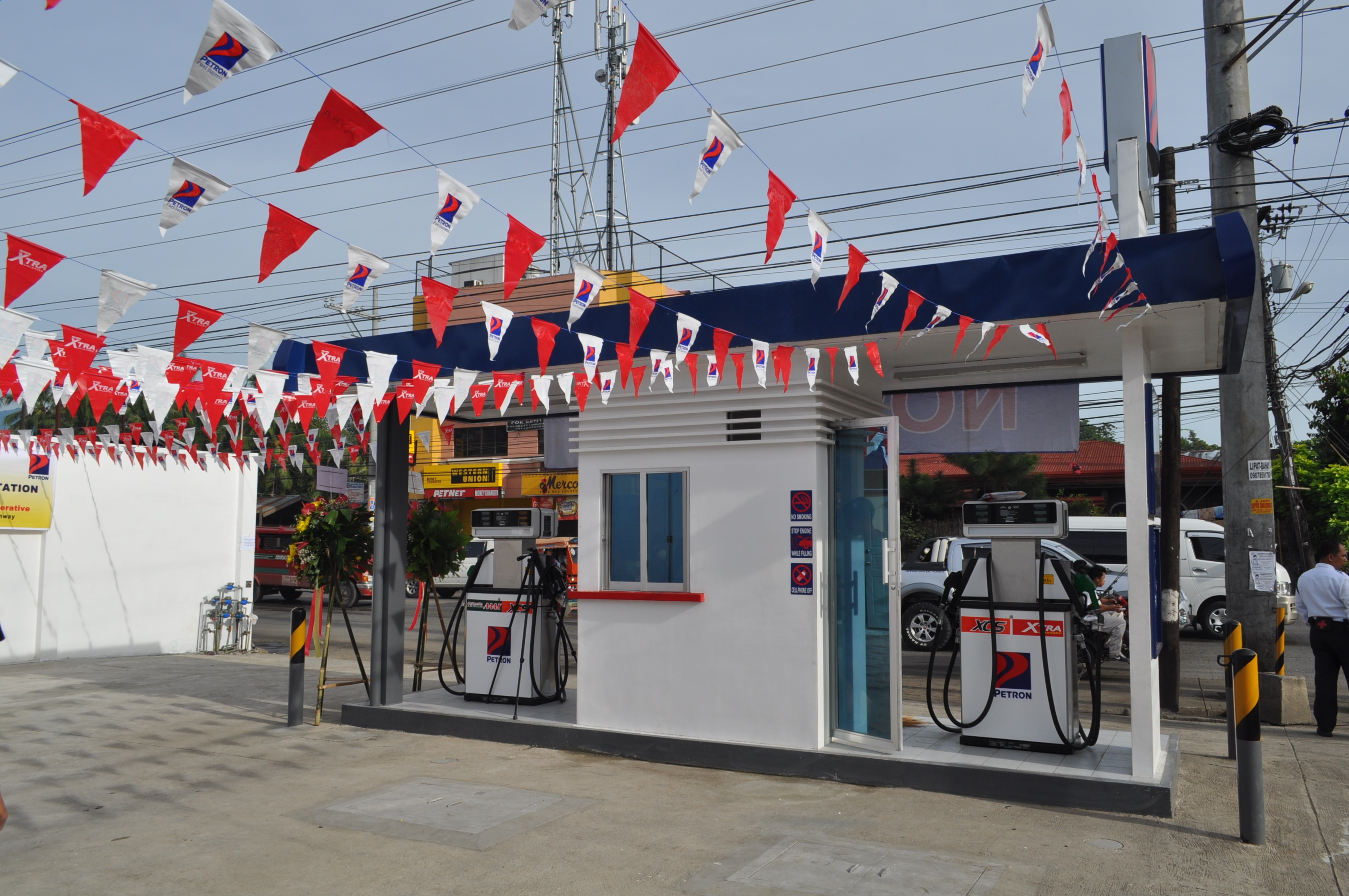 Petron Bulilit Gas Station at Crossing Talomo is now open! Two service pumps available.