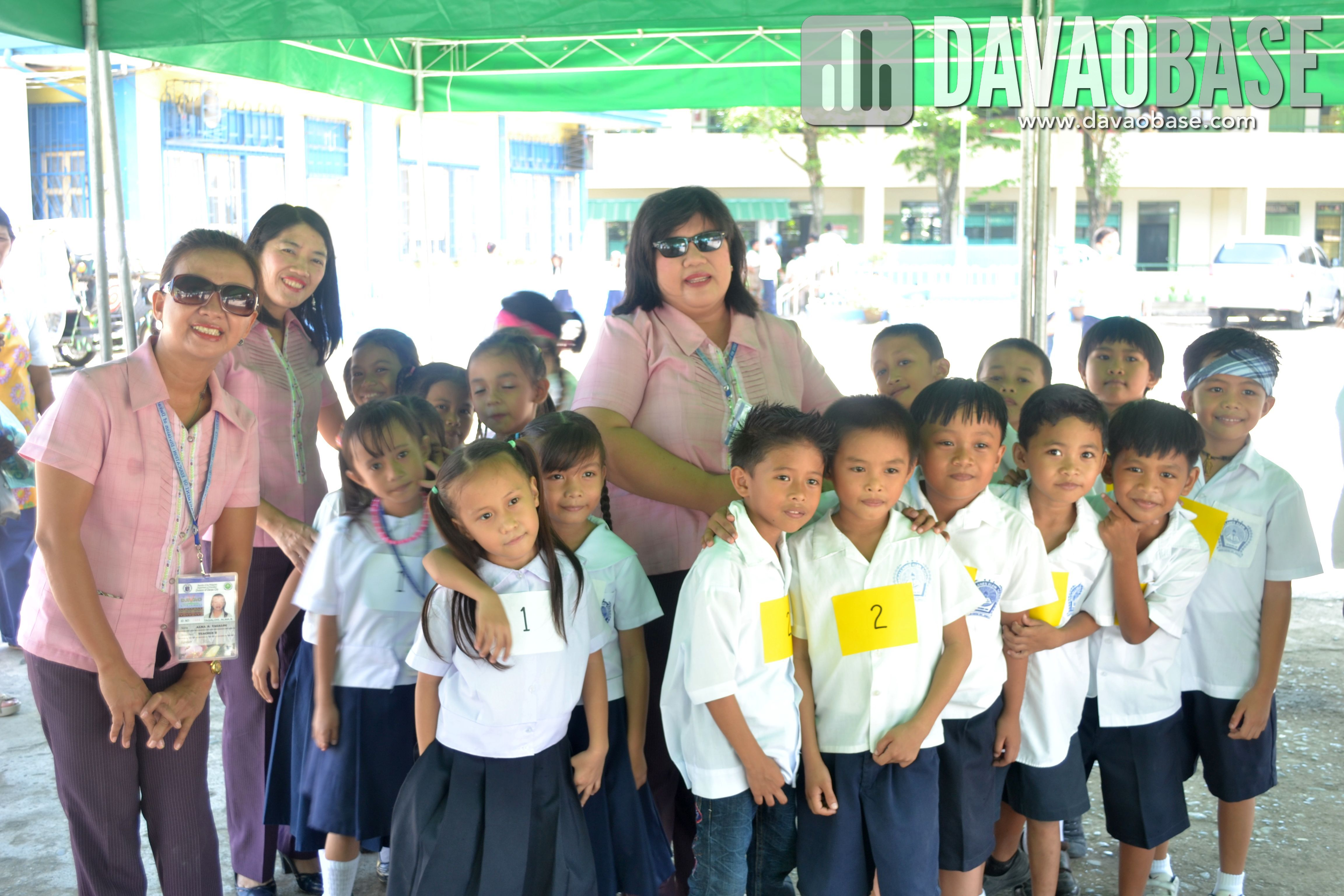 Magallanes Elementary School students with their teachers