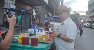 Carlos Celdran street food