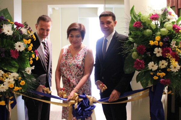 Opening of Dusit Thani Residence Davao showroom with Blue Development Inc. CEO Andrew Sparrow, Philippine Hoteliers Inc. Vice Chairman and President Evelyn Singson, and Torre Lorenzo President Tomas P. Lorenzo