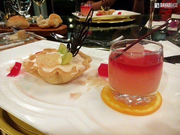 Pomelo chilled cheesecake and vodka pomelo jelly