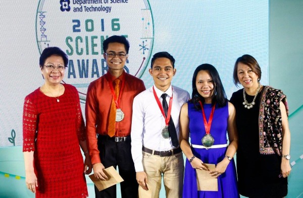 DOST-SEI Director Dr. Josette Biyo and BPI Foundation Executive Director with the BPI-DOST Science Awards semi-finalists from the Ateneo de Davao University: Joselv Albano, Kent Akmad Macacua, and Mary Rose Origin.