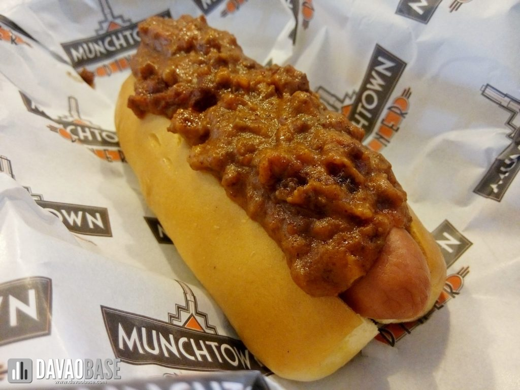 chili dog all beef hotdog munchtown grill