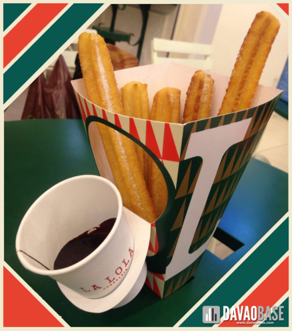 churreria-la-lola-davao-churros-with-choco-dip