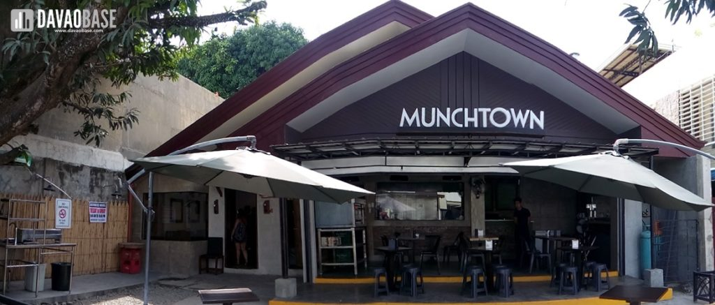 munchtown grill torres street davao city panoramic shot