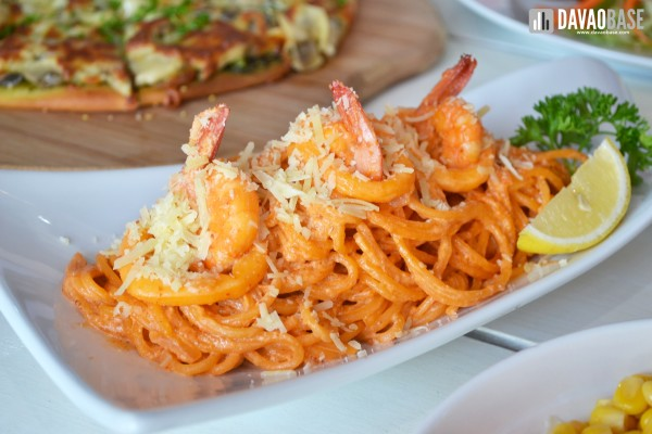 seafood-pasta-in-crab-fat-sauce