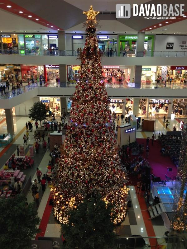 SM Lanang Christmas Tree