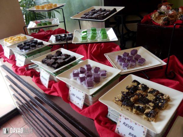 zabs-buffet-restaurant-dessert-trays