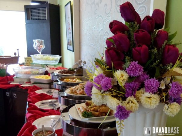 zabs-buffet-restaurant-flower-decoration