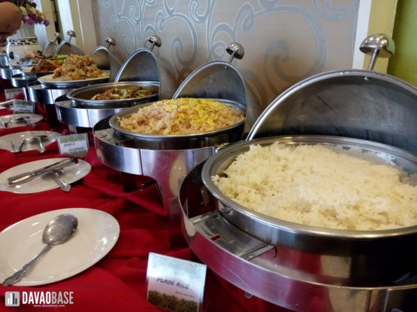 zabs-buffet-restaurant-food-trays